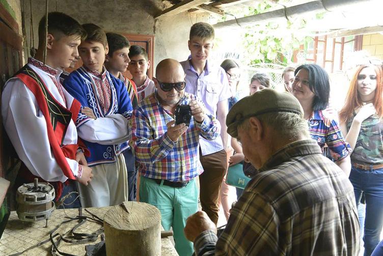 Экспедиция студентов ИГГУ в село Новые Трояны